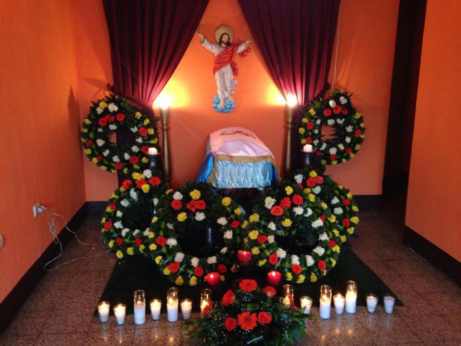 Los restos de Rex fueron velados en Capilla Los Rosales para mascotas. (Foto: Fredy Hernández/Soy502)