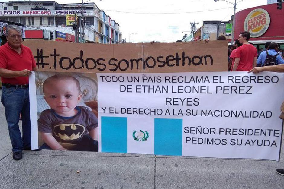 Alejandra ha recibido apoyo de muchas madres y personas en Guatemala. (Foto: Facebook)