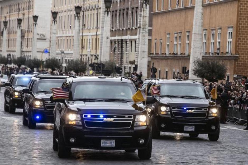La comitiva estadounidense a su llegada al Vaticano. (Foto: EFE)