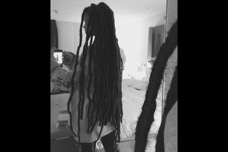 Rihanna se hizo unas rastas. (Foto: Instagram)