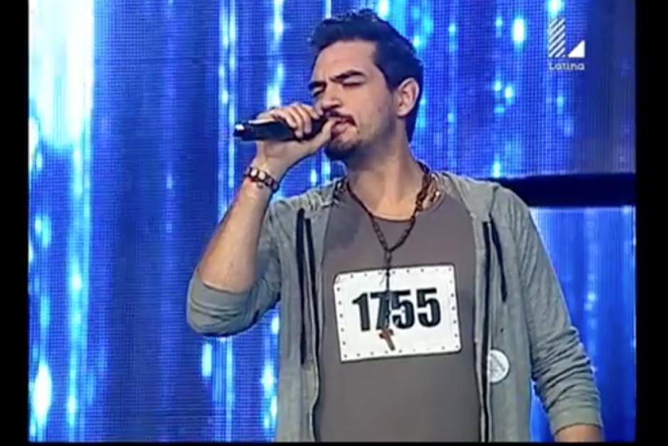 Sebastián Molina es de origen argentino y tiene un gran parecido con Ricardo Arjona. (Foto: YouTube)
