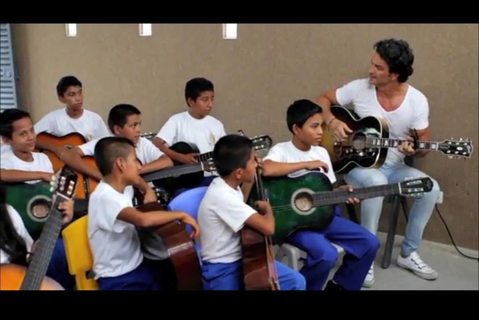 Ricardo inauguró la escuela con el objetivo de hacer cambios radicales en el país. (Foto: Youtube)