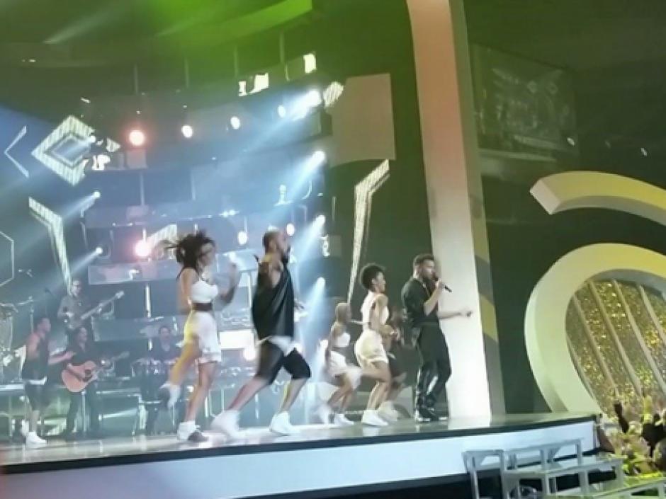 """Ricky Martin puso a todo el público a gritar con la nueva canción del Mundial Brasil 2014 """"Vida"""" (Foto: Twitter)"""