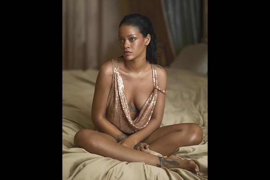 """Solo yo puedo hacer lo mío. Y nadie más es capaz de hacer eso"""", apuntó Rihanna. (Foto: Vogue)"""