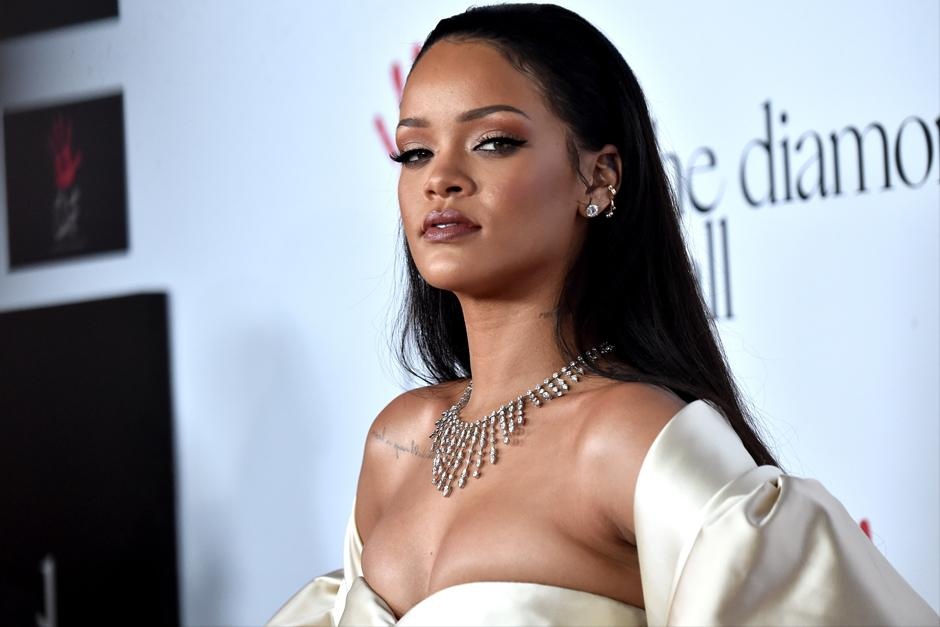Rihanna encarna a una stripper extraterrestre. (Foto: Archivo)