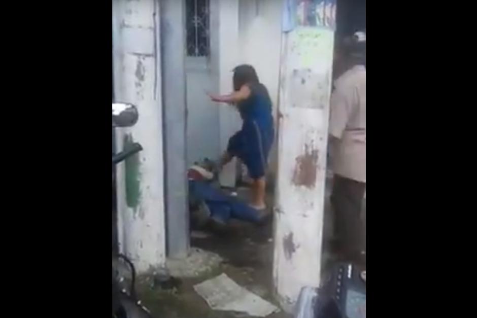 La mujer agredida también golpeó al atacante. (Foto: Archivo/Soy502)