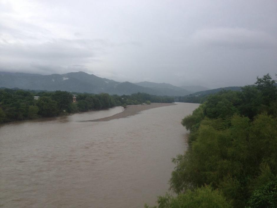 El río Grande en Zacapa también se ha visto crecido en las últimas horas. (Foto: Nuestro Diario)