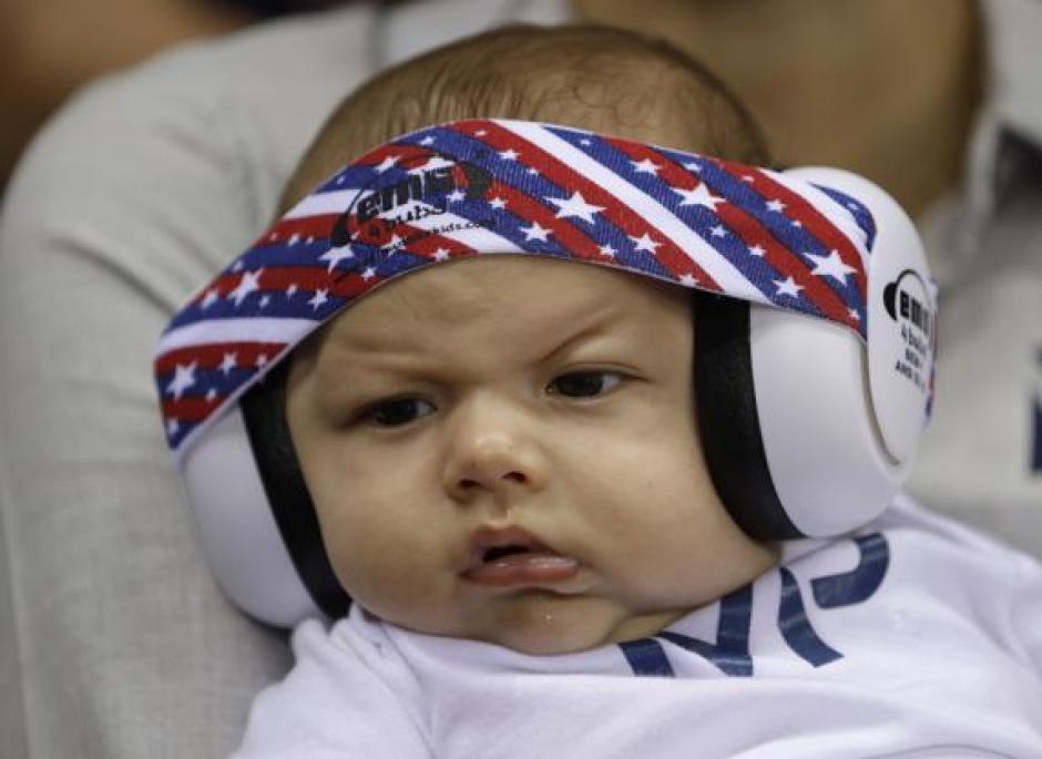 """Los medios en Río llaman """"mini Phelps"""" a Boomer el hijo de Michael Phelps. (Foto: Mundo Deportivo)"""