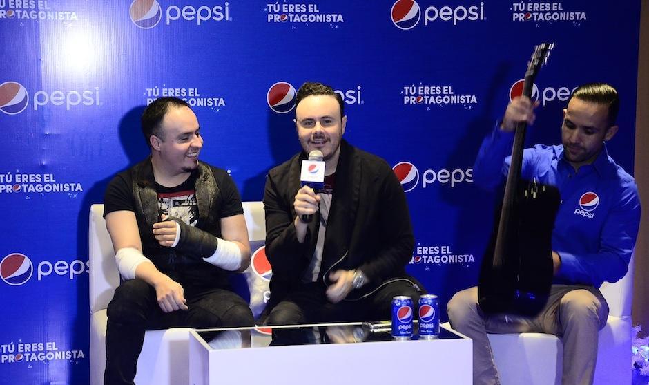 El dúo mexicano Río Roma compartió anécdotas junto a las fanáticas en un inolvidable Meet and Greet. (Foto: Soy502)