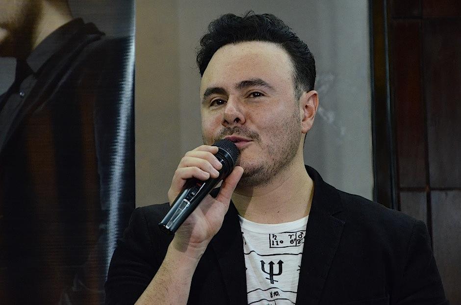 José Luis habla de las letras contenidas en su material discográfico. (Foto: Selene Mejía/Soy502)