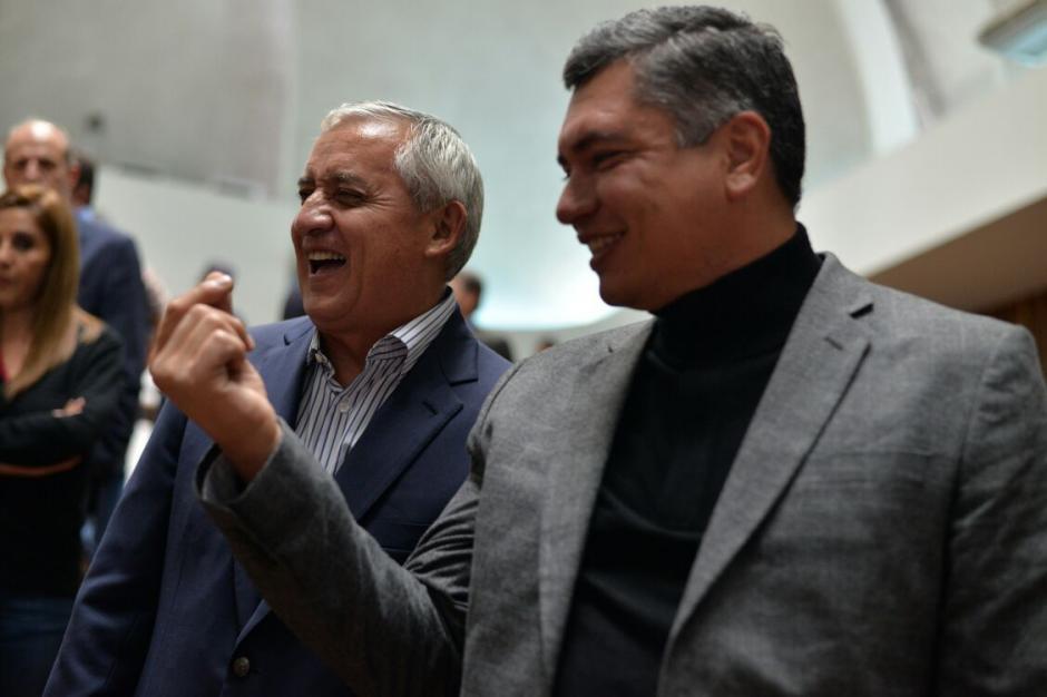 A diferencia de otros días de audiencia, este jueves todo eran sonrisas. (Foto: Wilder López/Soy502)