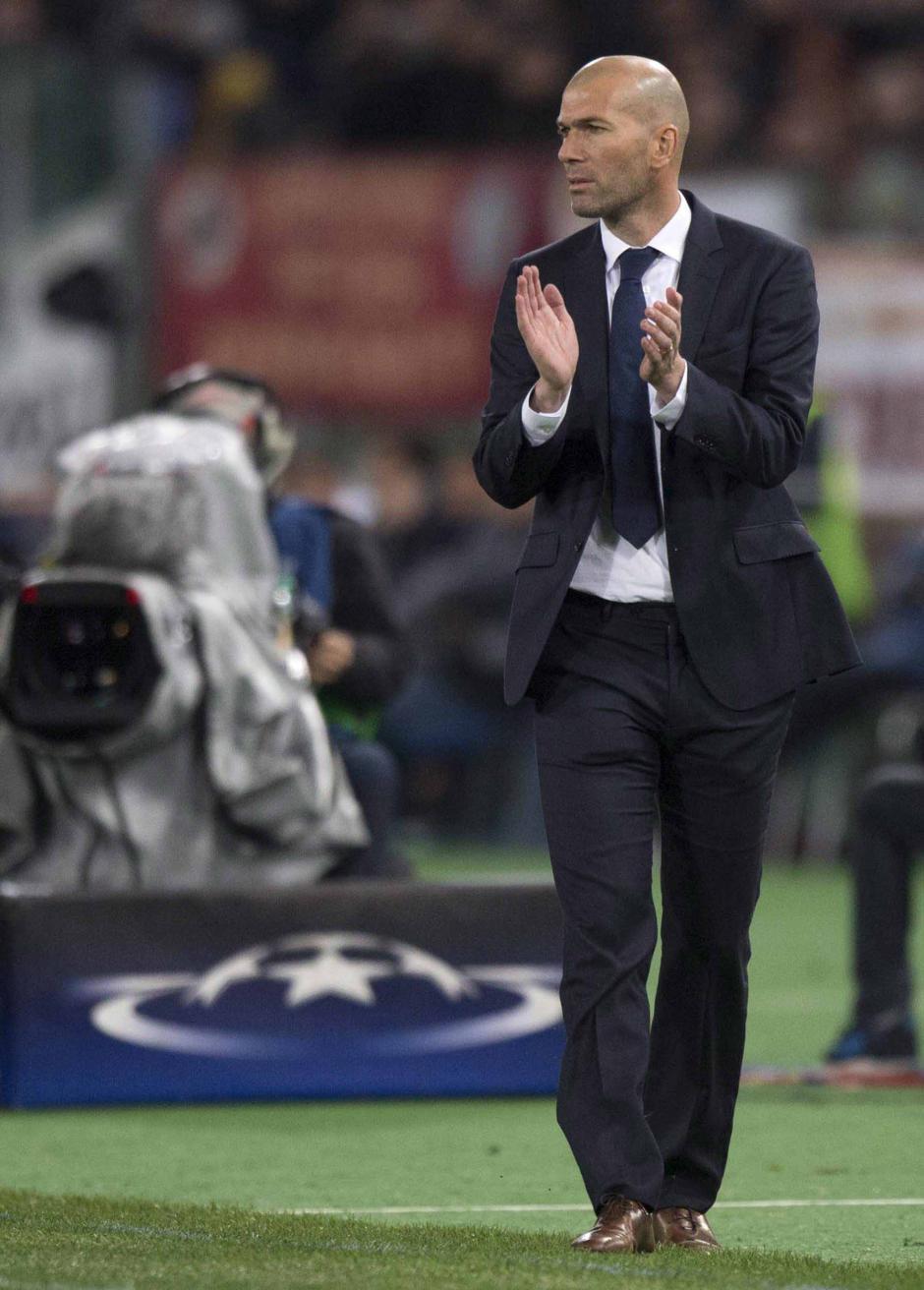Zidane aprobó su primer gran examen en la Champions League, al superar a Roma.  (Foto: EFE)