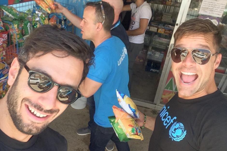 El cantante estuvo acompañado de su pareja, Jwan Yosef. (Foto: Instagram)