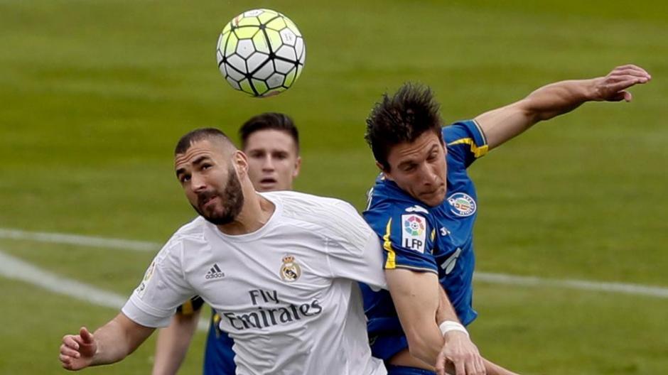 Karim Benzema abrió el marcador ante el Getafe. (Foto: lavanguardia.com)