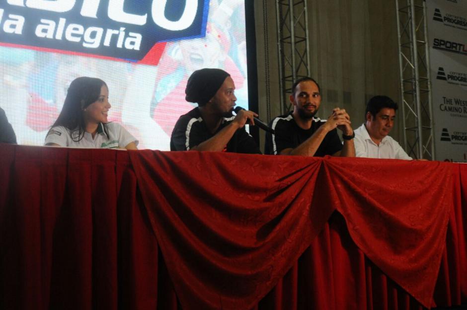 El astro brasileño ofreció una conferencia de prensa. (Foto: Alejandro Balan/Soy502)