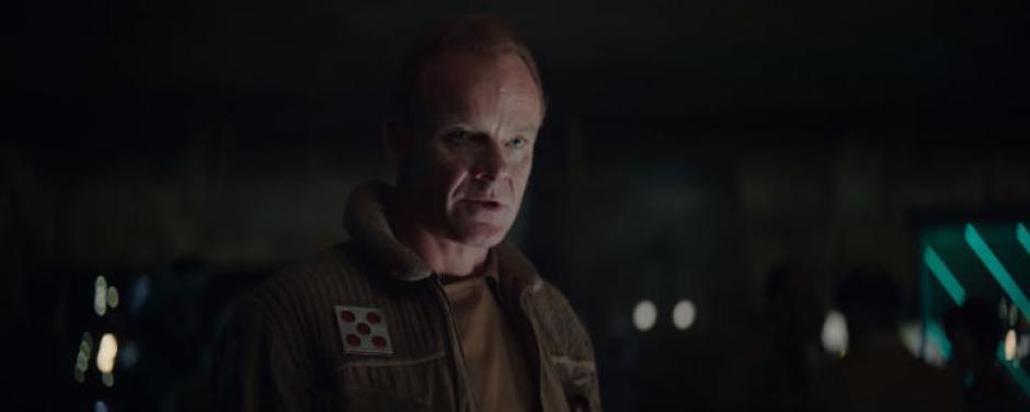 El actor inglés  Alistair Petrie personificará a un nuevo personaje de la franquicia. (Captura de pantalla: Star Wars/YouTube)