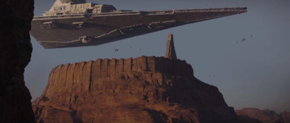 Un Destructor Estelar flota sobre Jedha, uno de los nuevos planetas de Rogue One. (Captura de pantalla: Star Wars/YouTube)