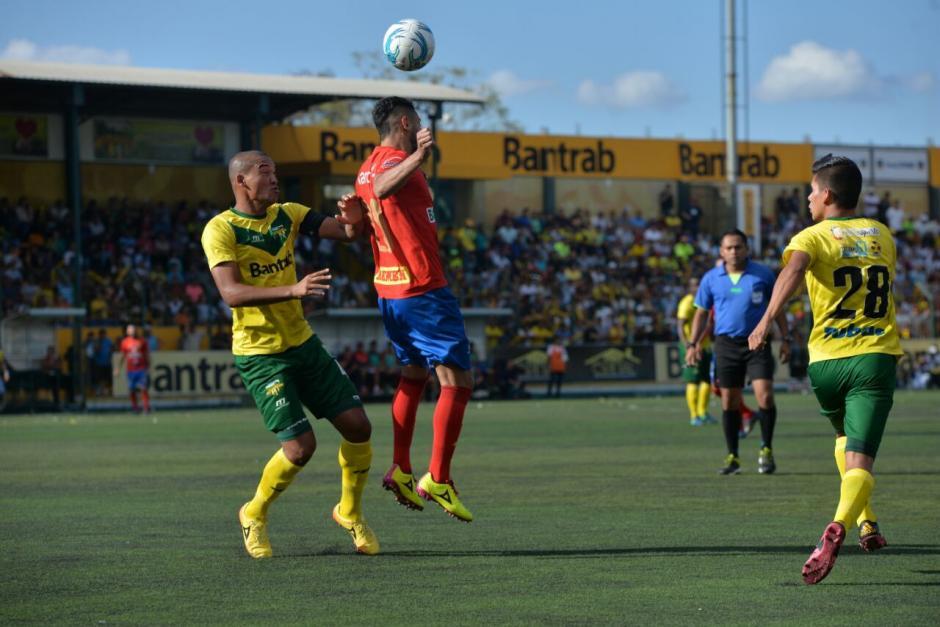 Petapa recibe la visita de Municipal en el torneo. (Foto: Wilder López/Soy502)