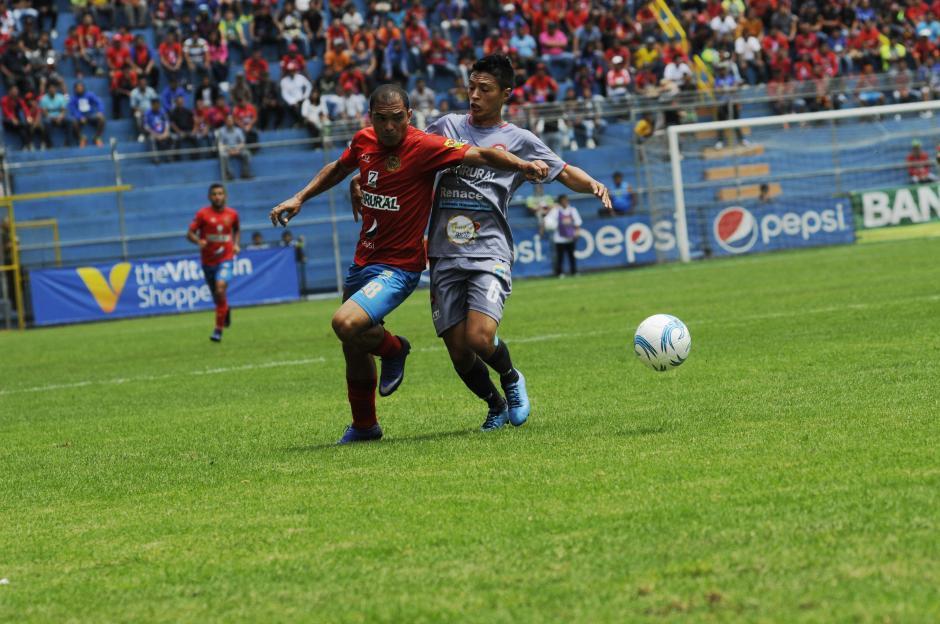 Municipal sigue con buen paso jugando en el estadio El Trébol. (Foto: Pedro Pablo Mijangos/Soy502)