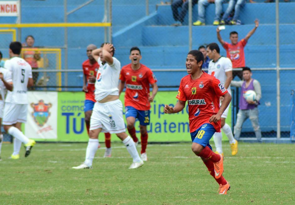 El domingo 16 de agosto quedará registrado como el día en que Pedro Altán hizo su primer gol en la Liga Nacional, con tan sólo 18 años.(Foto: Archivo/Nuestro Diario)