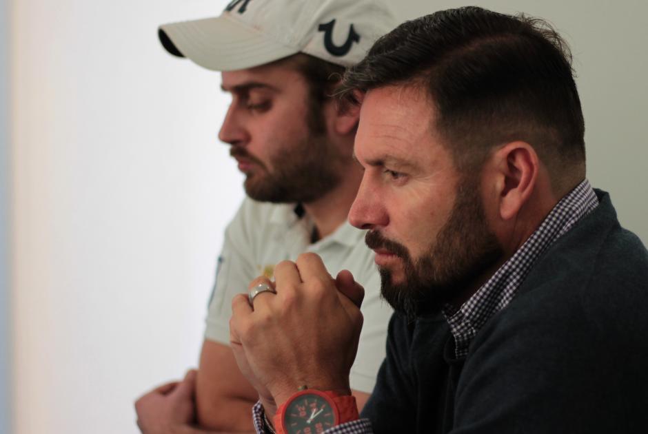 Rolando Fonseca en conferencia de prensa junto a Roberto Arzú. (Foto: Luis Barrios/Soy502)