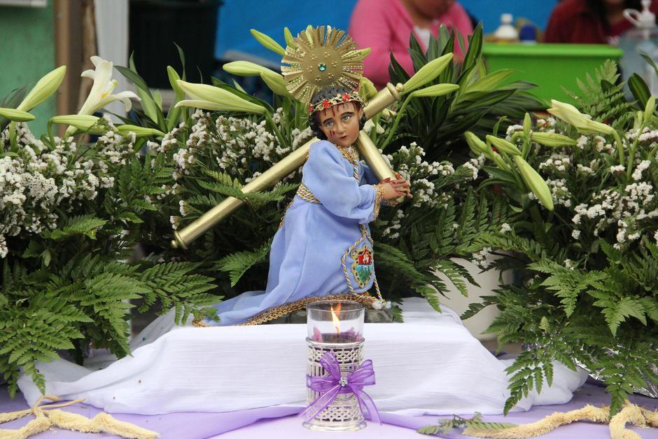 En uno de los cuatro puntos de reflexión en el Paseo de la Sexta, vendedores del Mercado Central colocaron la imagen de Jesús. (Foto: Archivo/Soy502)