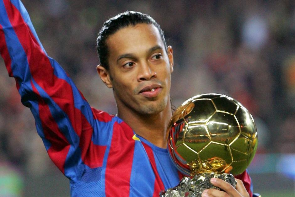 La cúspide de la carrera de Ronaldinho llegó con el FC Barcelona. (Foto: img.thesun.co.uk)