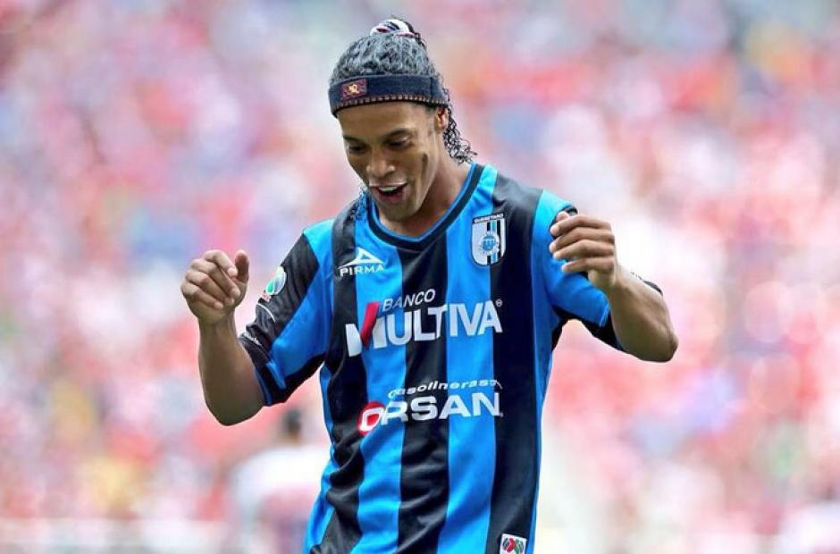 Ronaldinho jugó con el Querétaro de México. (Foto: estadio.ec)