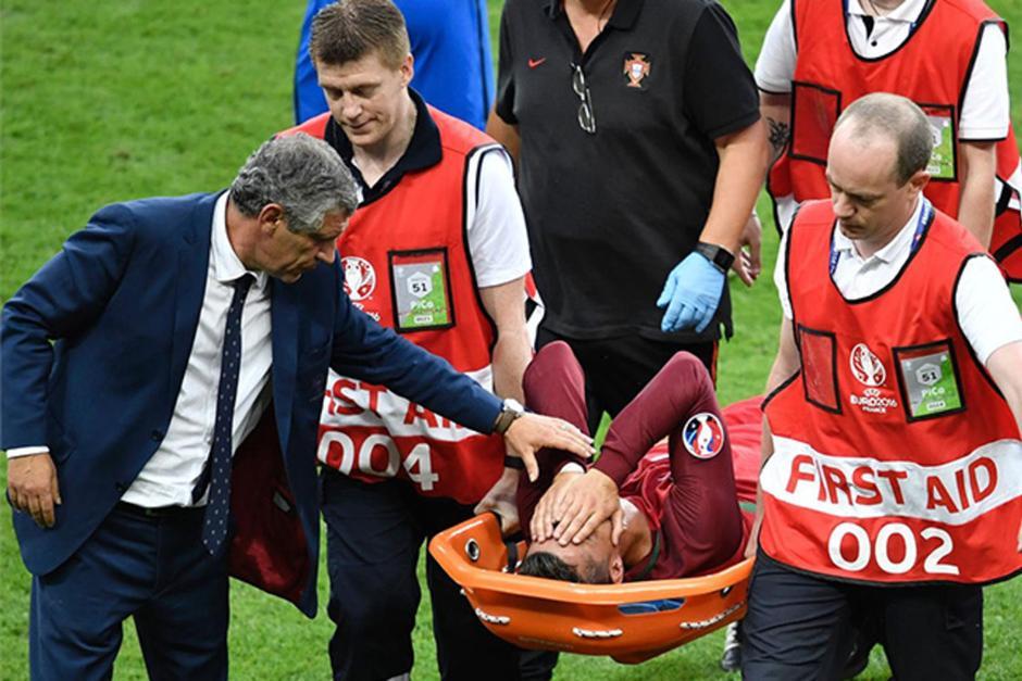 Ronaldo dejó prematuramente el encuentro en la final de la Euro. (Foto: Agencias)