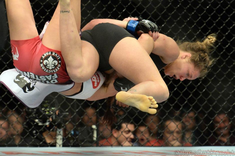Rousey es experta en conseguir victorias en el primer asalto