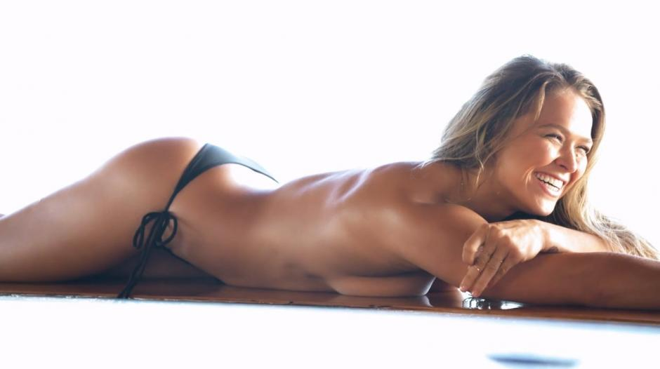 Ronda Rousey luce su escultural cuerpo. (Foto:laguiadelvaron.com)
