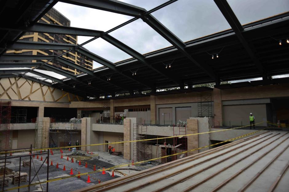 Rooftop cuenta con dos niveles y nueve niveles de estacionamientos. (Foto: Jesús Alfonso / Soy502)