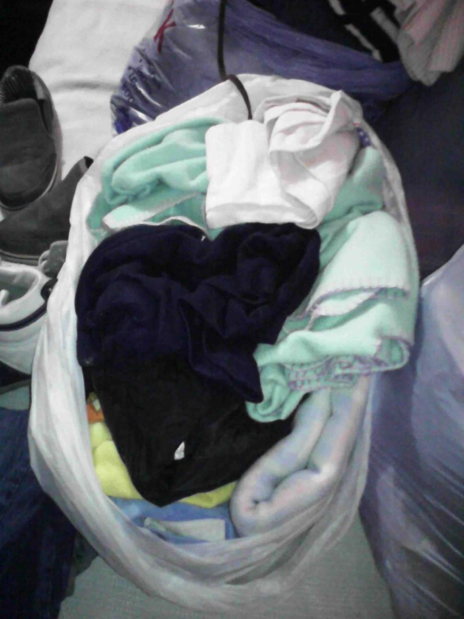 Sábanas y ropa son las principales necesidades que se encuentran entre las personas de escasos recursos.