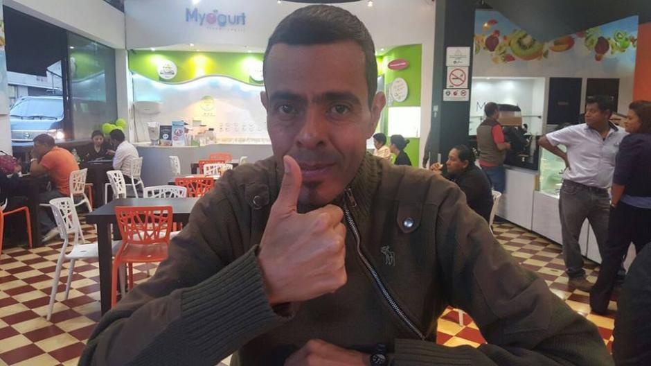 El periodista Roverto Carlos Orellana falleció de una enfermedad inmunológica. (Foto: Roverto Carlos Orellana)