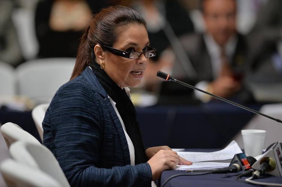 La exvicepresidenta Roxana Baldetti es señalada por el MP de cobrar sobornos a cambio de contratos estatales. (Foto: Archivo/Soy502)