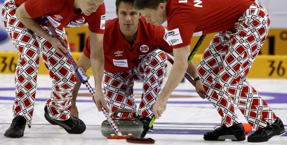 El uniforme que vestirá el equipo de Hockey de Noruega es de la marca Umbro. Foto AFP