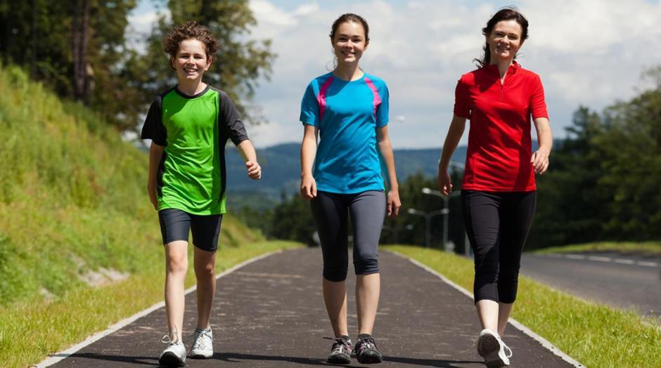 No debes exigirte mucho al principio. Sal a caminar de 10 a 30 minutos en tu primera semana. (Foto: Rumbos Digital)