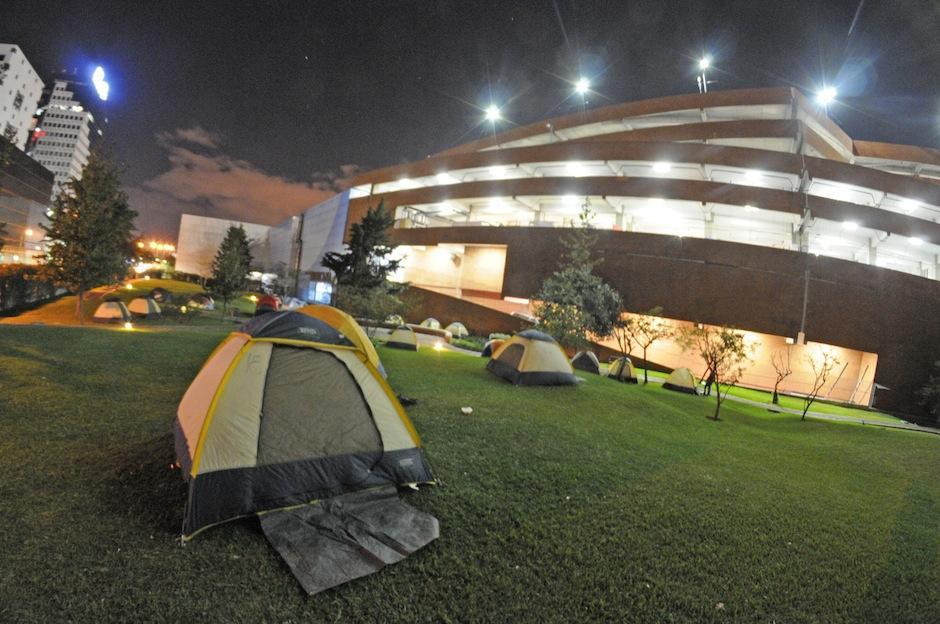 Los exploradores iberoamericanos acamparon la primera noche en el Museo Miraflores, ubicado en la ciudad de Guatemala. (Foto: Esteban Biba/Soy502)