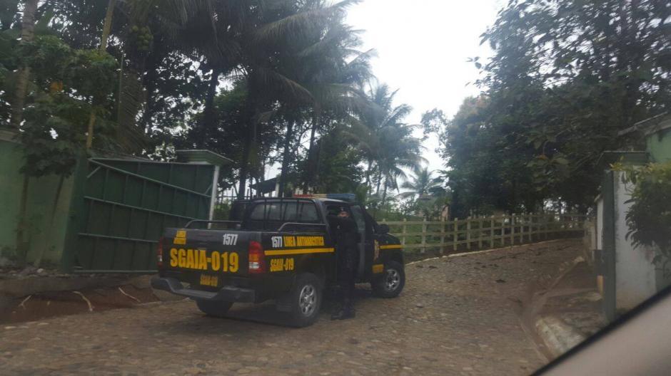 Fachada de la residencia donde tuvo lugar el allanamiento. (Foto: Policía Nacional Civil (PNC)