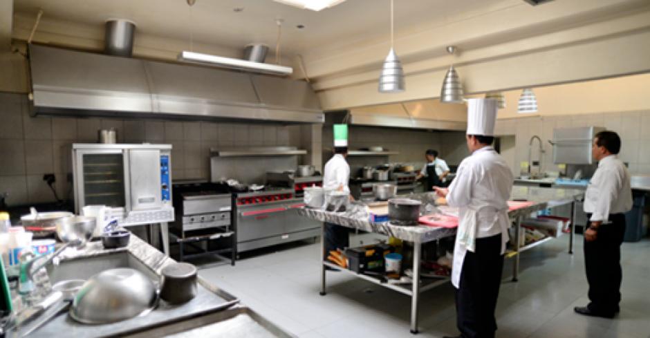 En la cocina de Casa Presidencial se preparan los alimentos del Presidente y su familia. (Foto: Archivo/Soy502)