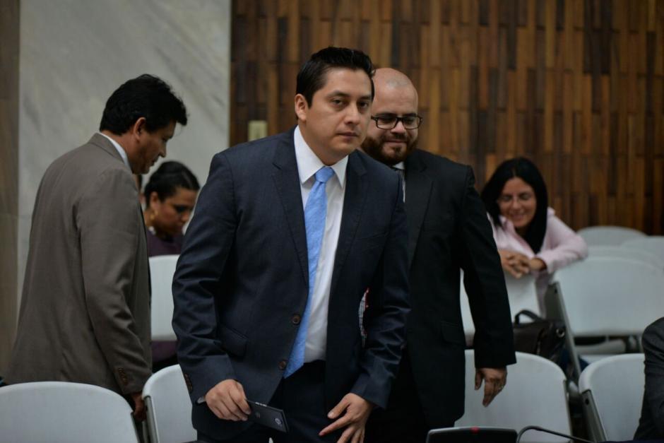 El abogado Mario Cano antes de iniciar la audiencia. (Foto: Wilder López/Soy502)