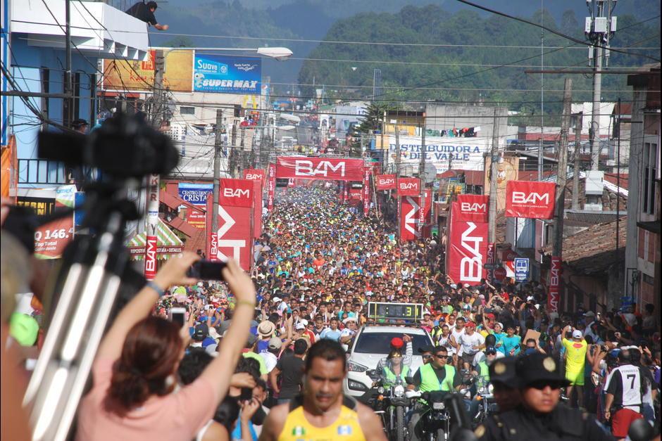 Miles de atletas invaden la ciudad de Carlos V cada año para competir en el Medio Maratón. (Foto: Soy502)