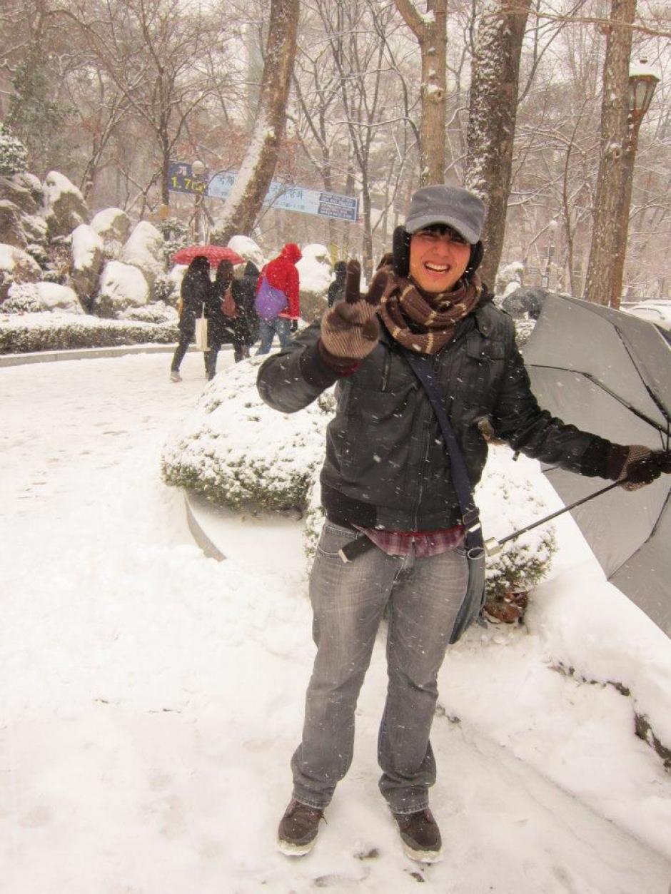 Andrés tuvo que estudiar durante un año el idioma coreano. (Foto: Facebook)