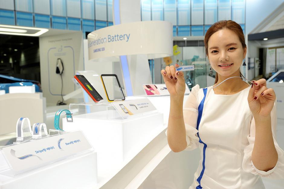 Samsung dio a conocer los prototipos de sus baterías flexibles.(Foto: Samsung)