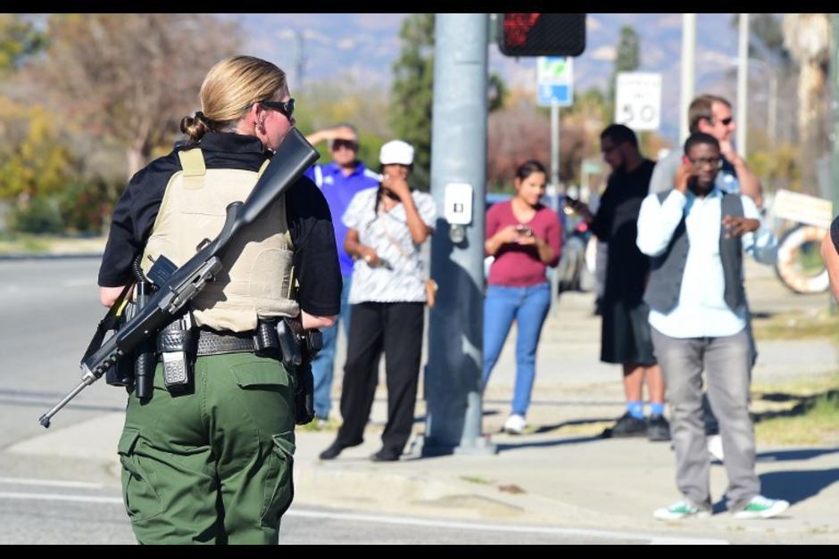 El 2 de diciembre, una pareja efectuó un ataque armado durante un festejo realizado en el Centro Regional de Inland, en San Bernardino California, Estados Unidos. El ataque dejó 16 personas fallecidas, incluídos los autores quienes se presume que tenían vínculos con el grupo terrorista Estado Islámico. (Foto: AFP)