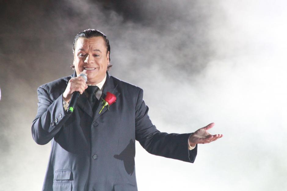 Juan Gabriel podría ganar su primer Grammy Latino en 2016. (Foto: Archivo)