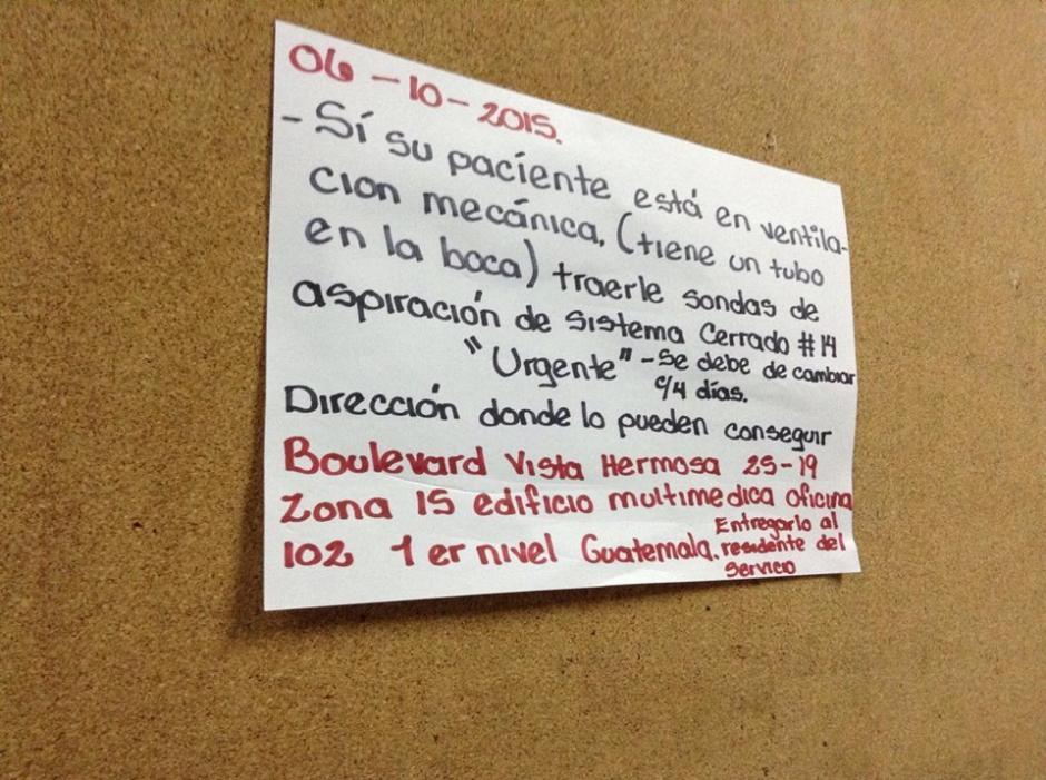 En los pasillos del San Juan de Dios se observan indicaciones como esta para los pacientes. (Foto: Marcia Zavala/Soy502)