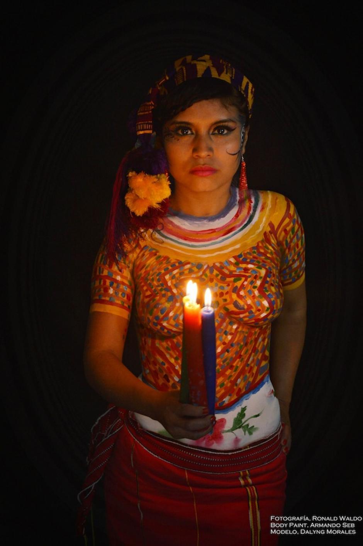 Los colores de Huehuetenango se complementan en este trabajo. (Foto: Ronald Waldo)