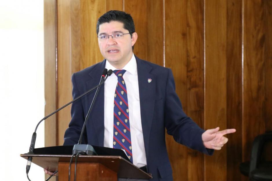 El vocero de la Municipalidad, Carlos Sandoval explicó los daños. (Foto: Alejandro Balan/Soy502)
