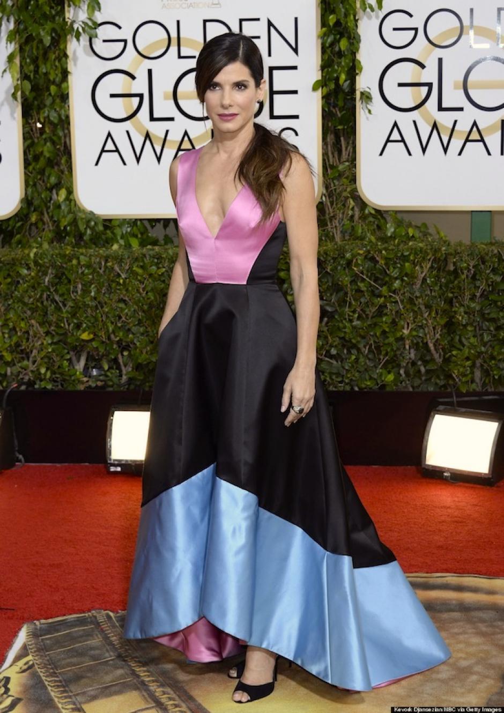 Los asesores de vestuario de la actriz Sandra Bullock debieron haber cometido un error con la elección de este vestido dePrabal Gurung. (Foto: terra)